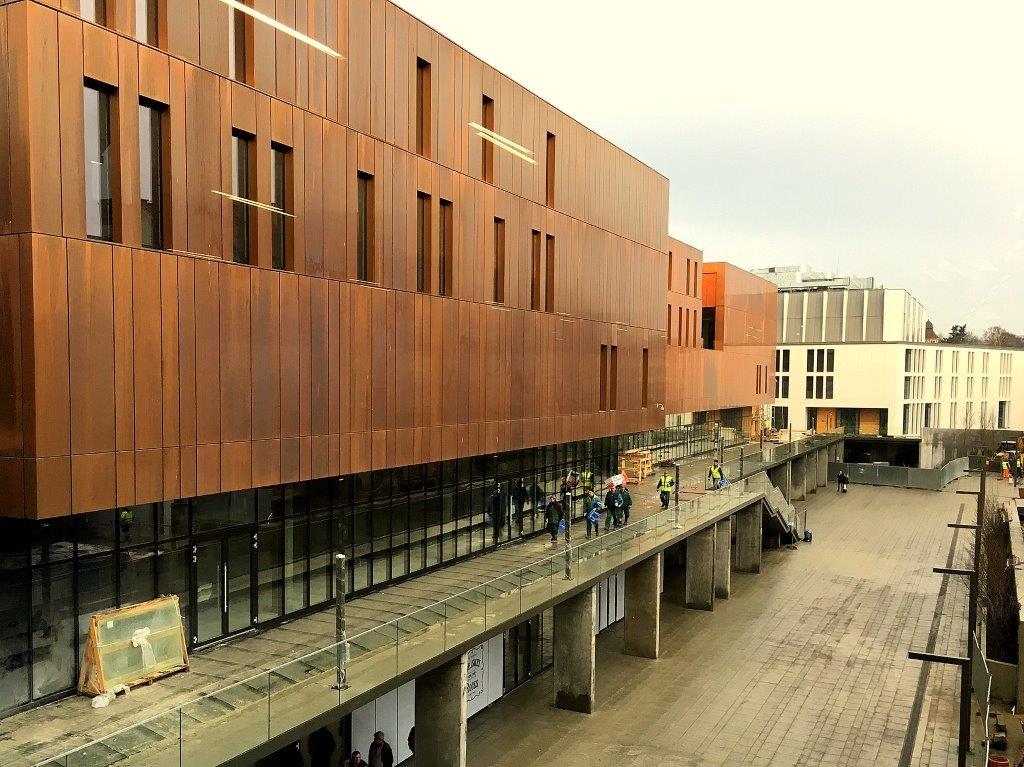 Budynek nowego dworca w Sopocie