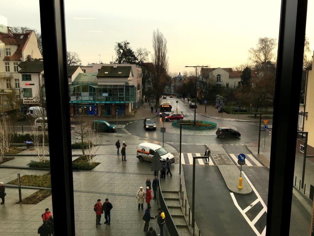 Widok na ul. Kościuszki i Chopina z dworca PKP Sopot